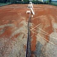 Es ist auch kaum zu glauben das auf dieser Anlage je wieder Tennis gespielt werden kann.