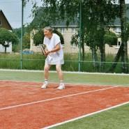 Viele unserer ehemaligen Mitglieder haben es sich nicht nehmen lassen noch ein mal die Tennis-Sachen anzuziehen.