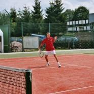 Tennispräsentation - Perfekte Technik beim Volley.